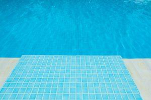 azulejo piscina 300x200 - Azulejos y baldosas para piscinas