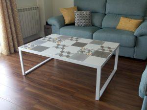P70428 122810 300x225 - Mosaicos hidráulicos para decoración de muebles