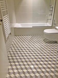azulejos hidraulicos ducha 226x300 - Baldosas y suelo hidráulico para baño