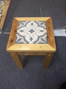 Decorar objetos con baldosas imagen 3 225x300 - Decorar objetos con baldosas hidráulicas